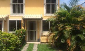 Casa de condomínio de 2 quartos e infraestrutura de lazer na Taquara