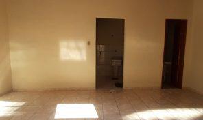 Quitinete de vila na Taquara