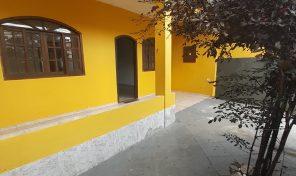 Oportunidade! Ampla casa com quintal em Curicica